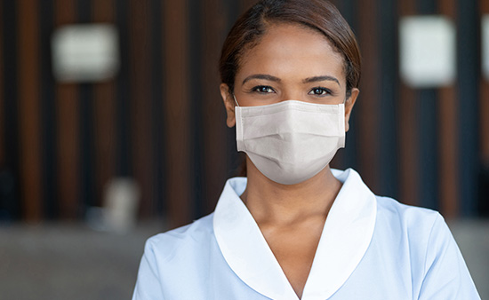 Are the staff required to wear masks?
